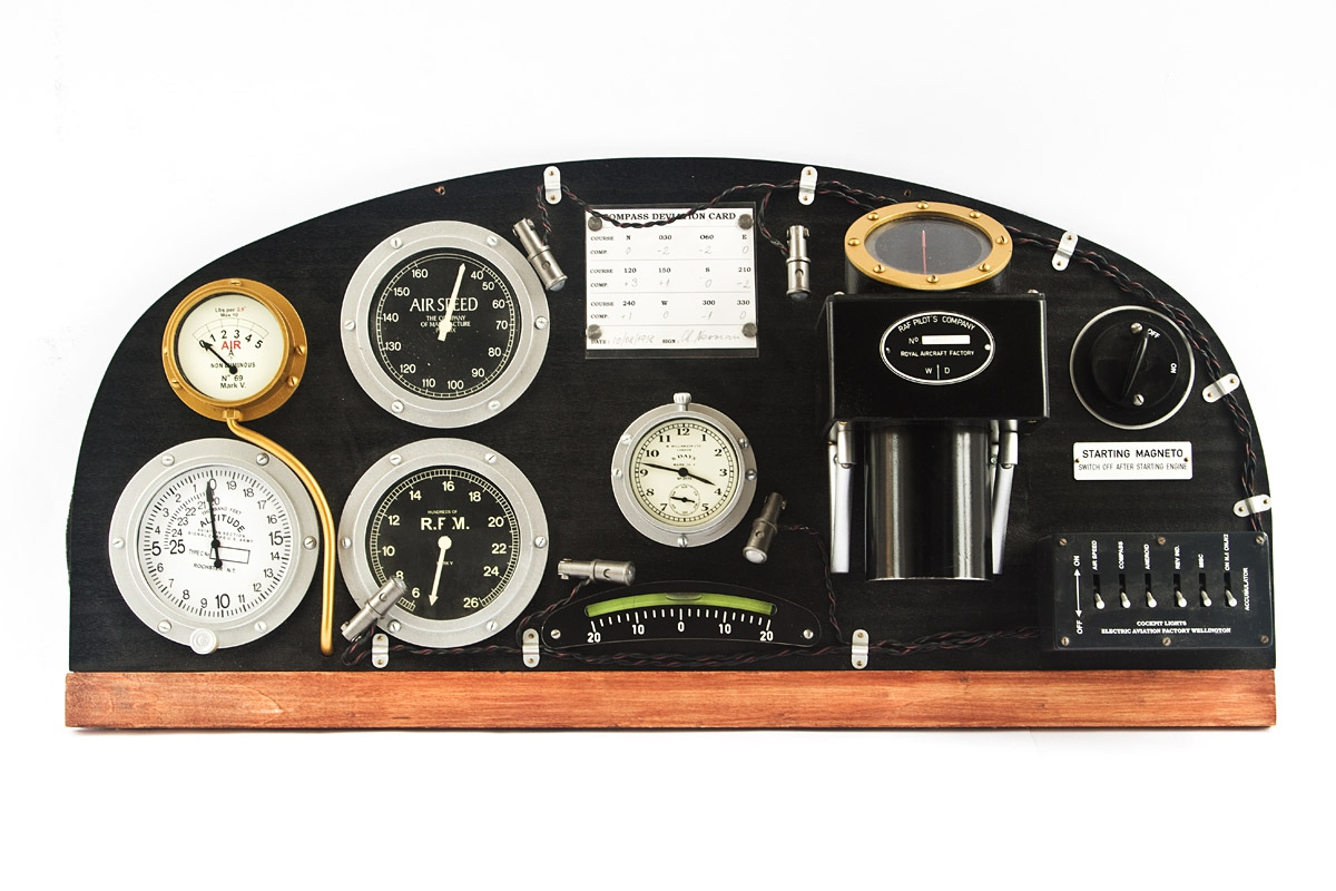 Full scale instrument panel Royal Aircraft Factory R.E.8